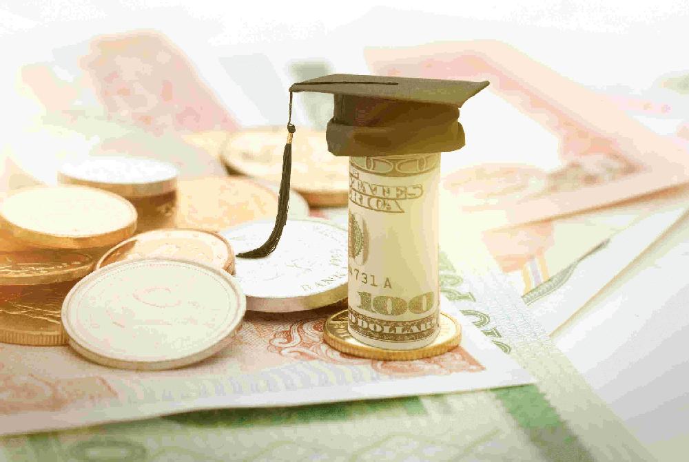 赴美上市平台现金贷对比:利率最高差3倍 隐藏费用惊人5