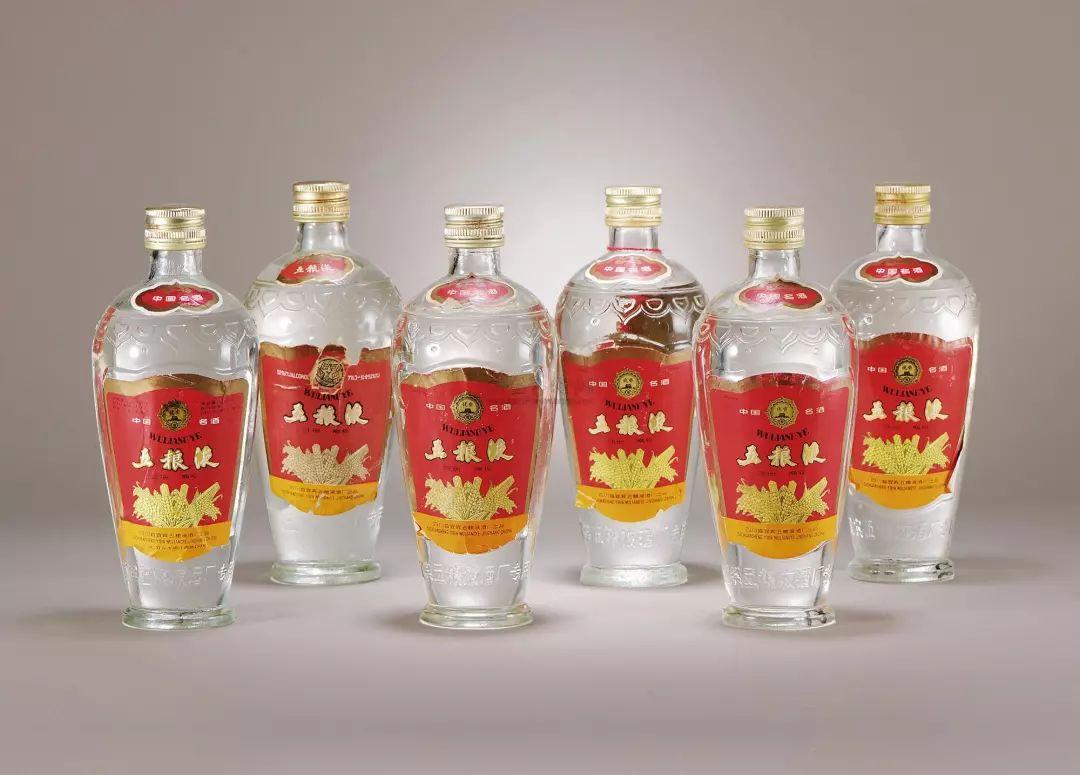 五粮液再次掀起高端白酒收藏热,老酒收藏市场崛起究竟原因何在?