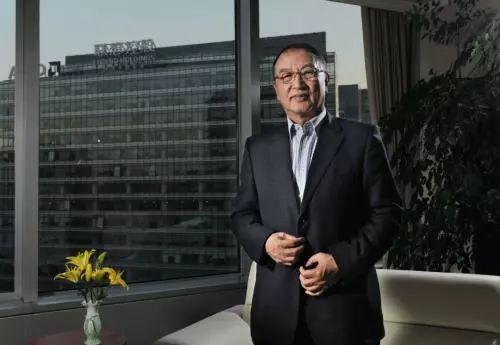 75岁柳传志卸任,创36家公司的传奇,给联想留下幸福还是遗憾?